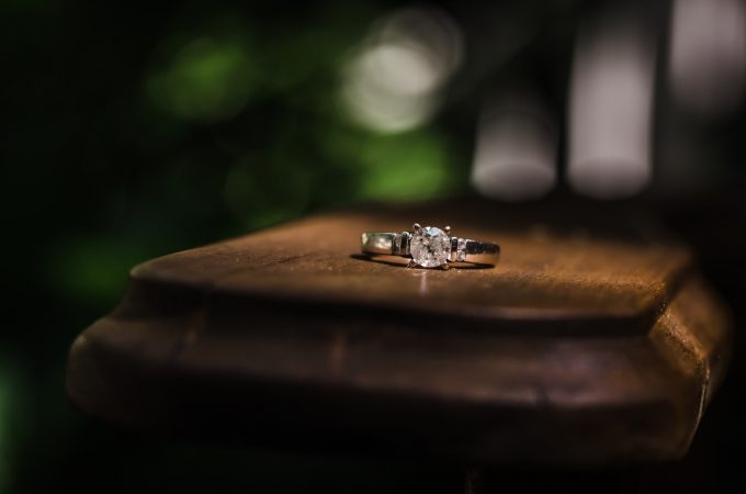 Ways To Make The Engagement Ring's Diamond Appear Larger